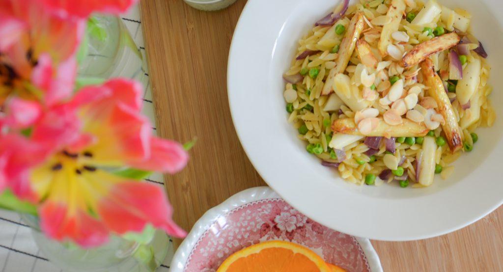 Kritharáki mit Spargel und Orange