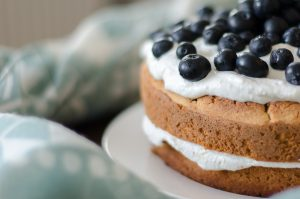 Heidelbeer-Torte mit Kokos